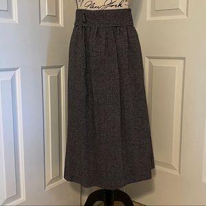 ☀️3/$30☀️CHAUS Wool Skirt - sized 8